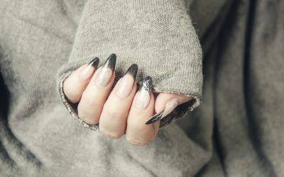 Stylograf niebanalnie wystylizuje paznokcie